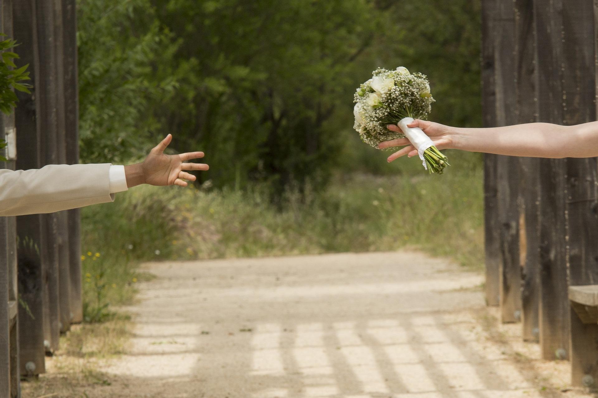 wedding-1146324_1920.jpg